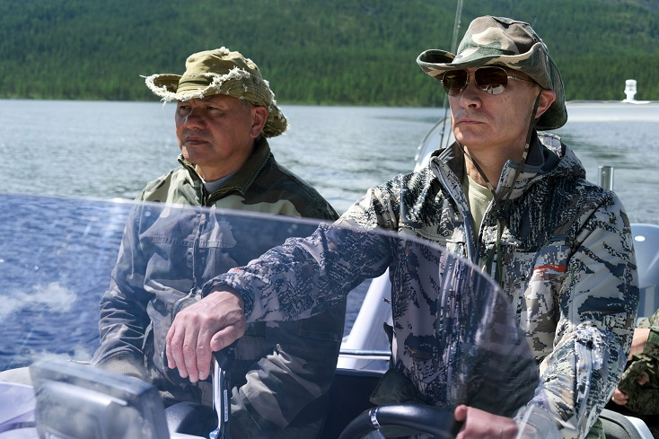 πρόεδρος πούτιν οδηγάει σκάφος